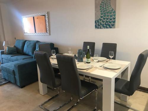 Calanova Lounge (2)