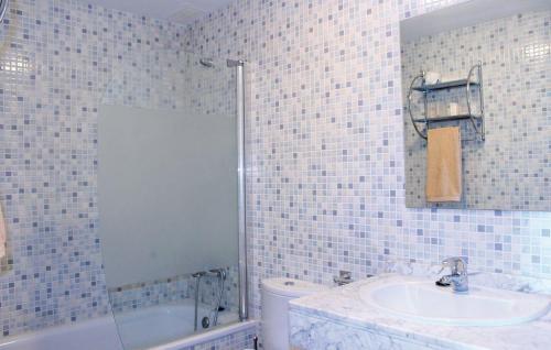 ean714 bath 01